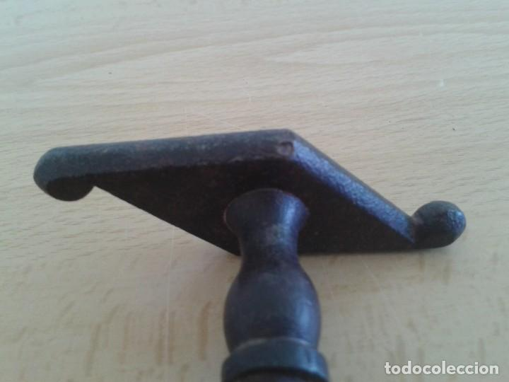 Antigüedades: ANTIGUO TIRADOR POMO MANETA CERROJO CIERRE PESTILLO HIERRO FORJA T5 - Foto 3 - 268853984
