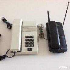 Teléfonos: DOS TELÉFONOS FIJOS UNO NEGRO PANASONIC OTRO CREMA MODELO TEIDE. Lote 268992279