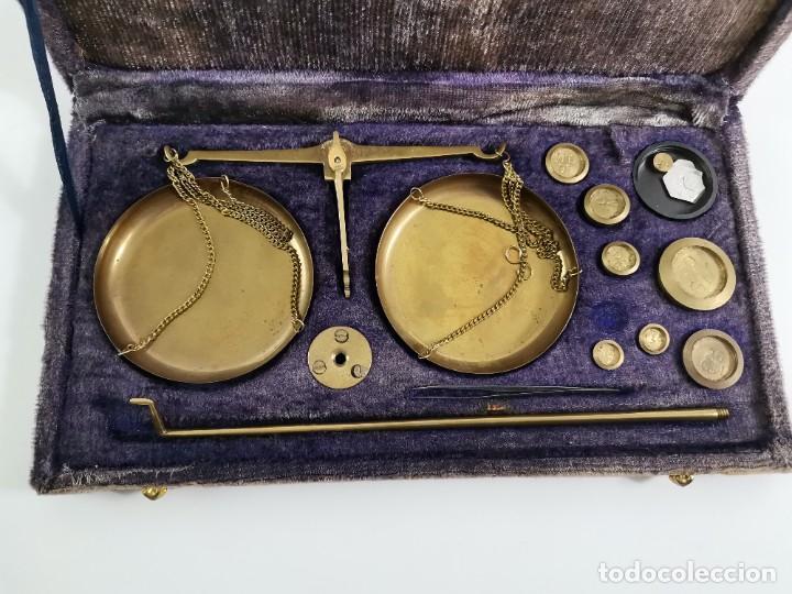 Antigüedades: BALANZA DESMONTABLE DE BRONCE CON TODOS LOS PESOS. PRINCIPIOS S.XX. - Foto 2 - 269047123