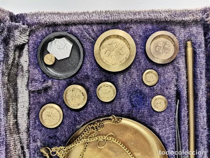 Antigüedades: BALANZA DESMONTABLE DE BRONCE CON TODOS LOS PESOS. PRINCIPIOS S.XX. - Foto 3 - 269047123