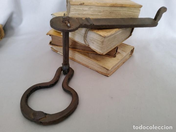 Antigüedades: ANTIGUO TIRADOR DE HIERRO FORJADO DEL SIGLO XVIII - Foto 10 - 269074128