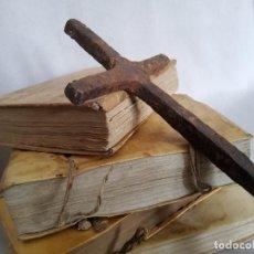 Antiquités: ANTIQUISIMA CRUZ DE HIERRO FORJADO. Lote 269076838