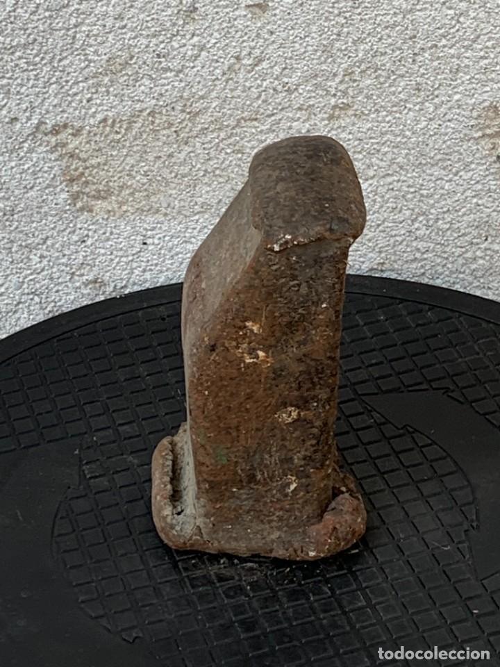Antigüedades: ANTIGUA CABEZA MAZA HIERRO GOLPEADA USADA MARCAS FABRICANTE S XVI XVIII17X9CMS - Foto 2 - 269102023