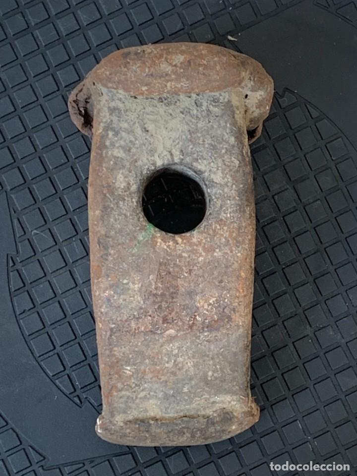 Antigüedades: ANTIGUA CABEZA MAZA HIERRO GOLPEADA USADA MARCAS FABRICANTE S XVI XVIII17X9CMS - Foto 6 - 269102023