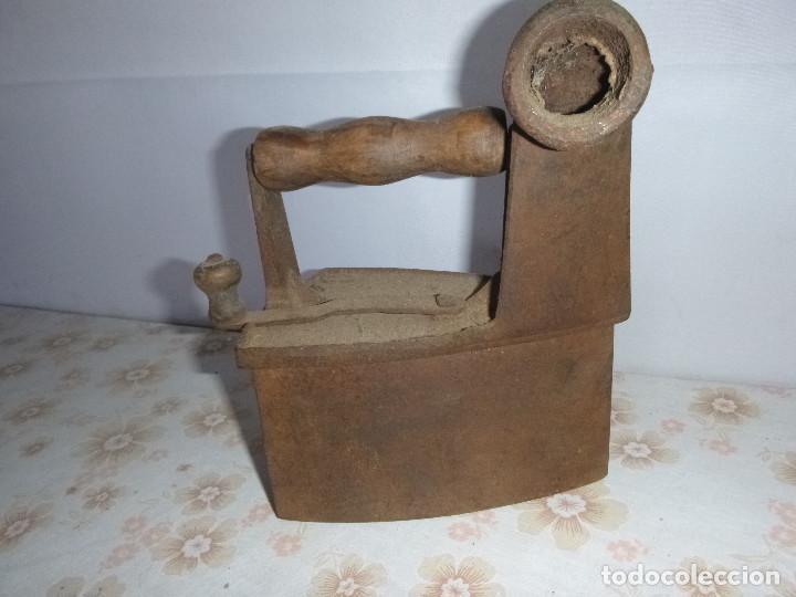 ANTIGUA PLANCHA DE CARBON DE CHIMENEA (Antigüedades - Técnicas - Planchas Antiguas - Carbón)