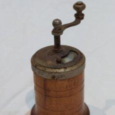 Antigüedades: ANTIGUO MOLINILLO PARA ESPECIES DE MADERA. Lote 269202388