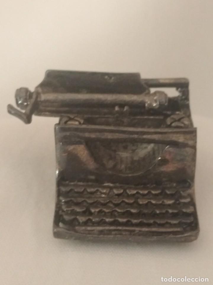 Antigüedades: MAQUINA DE ESCRIBIR EN MINIATURA CON BAÑO DE PLATA. - Foto 2 - 269305008