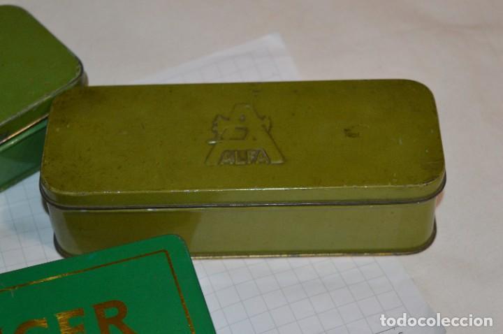 Antigüedades: Vintage / 3 antiguas cajas hojalata / Máquinas coser, contenido diverso / ALFA y SINGER ¡Mira fotos! - Foto 4 - 269306733