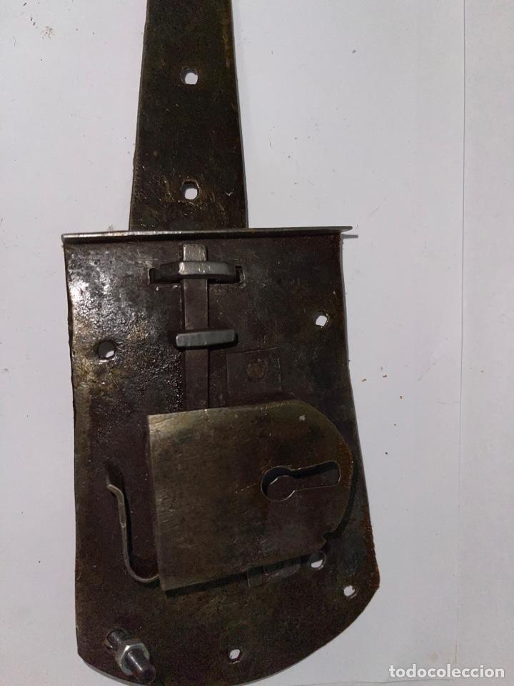 Antigüedades: RARA CERRADURA hierro forjado SIGLO XVIII - Foto 6 - 269398263