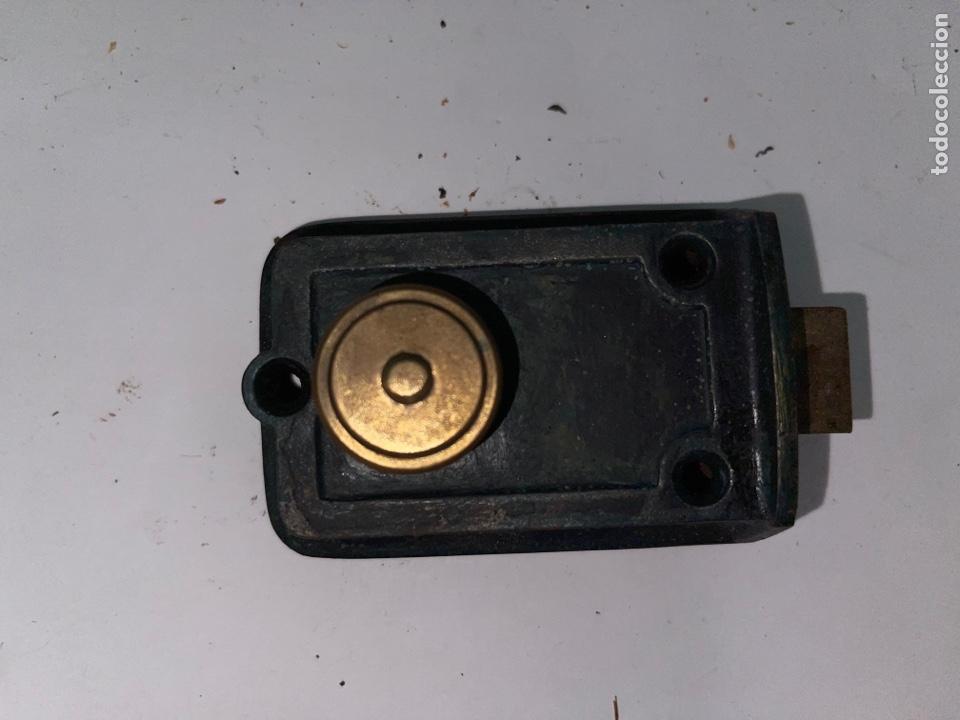 ANTIGUA CERRADURA PEQUEÑA (Antigüedades - Técnicas - Cerrajería y Forja - Cerraduras Antiguas)