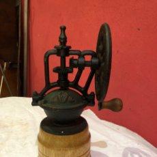 Antigüedades: KIT DE MOLINILLO DE PIMIENTA DE MANIVELA VINTAGE CON MECANISMO DE COBRE ANTIGUO. Lote 269640993