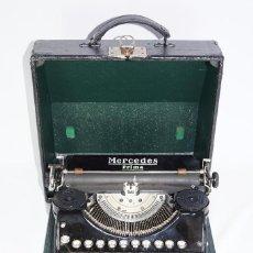 Antigüedades: MÁQUINA DE ESCRIBIR MARCA MERCEDES PRIMA Nº DE SERIE 94210 AÑO DE FABRICACIÓN 1932-34. Lote 269940768