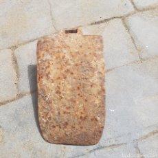 Antigüedades: ANTIGUA AZADA HIERRO FORJADO. Lote 270000163