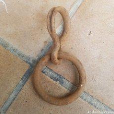 Antigüedades: ARGOLLA DE HIERRO FORJADO. Lote 270088278
