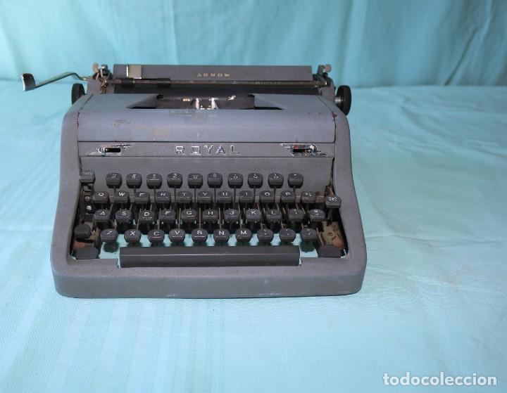 MAQUINA DE ESCRIBIR ROYAL ARROW DE 1.953 . ANTIQUE TYPEWRITER ROYAL ARROW FROM 1953. (Antigüedades - Técnicas - Máquinas de Escribir Antiguas - Royal)