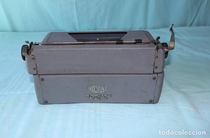 Antigüedades: Maquina de escribir Royal Arrow de 1.953 . Antique typewriter Royal Arrow from 1953. - Foto 3 - 270883233