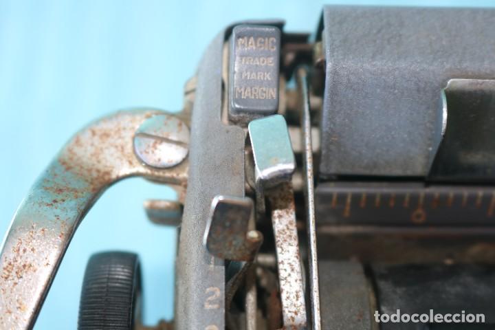Antigüedades: Maquina de escribir Royal Arrow de 1.953 . Antique typewriter Royal Arrow from 1953. - Foto 18 - 270883233