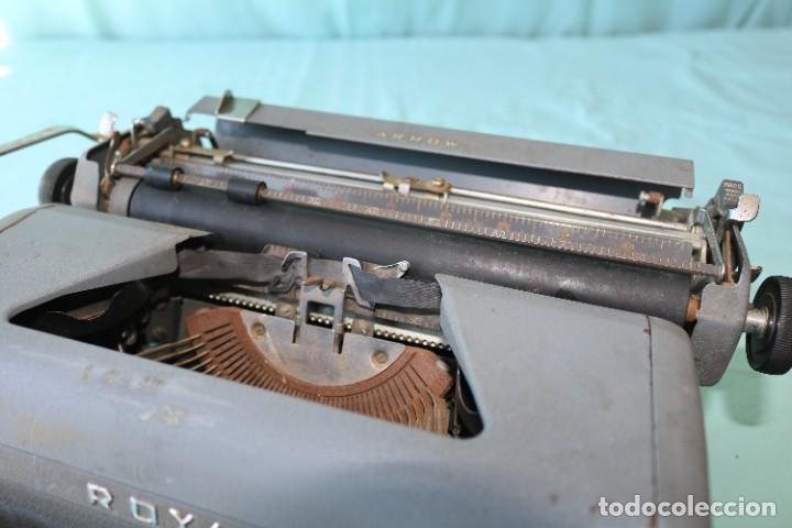 Antigüedades: Maquina de escribir Royal Arrow de 1.953 . Antique typewriter Royal Arrow from 1953. - Foto 22 - 270883233