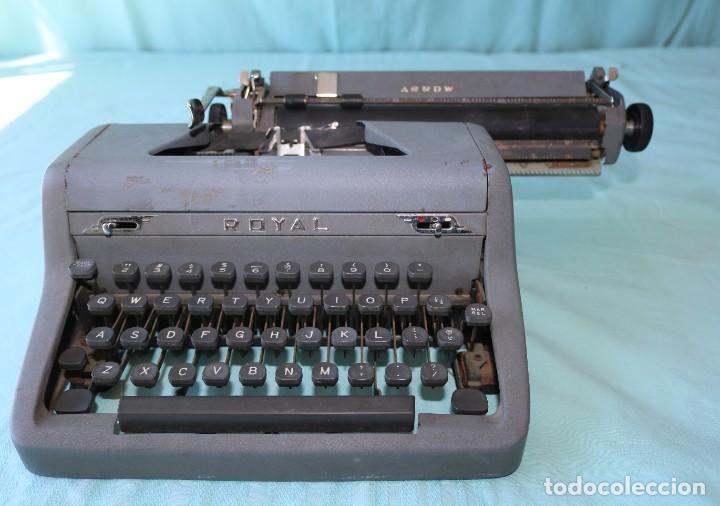 Antigüedades: Maquina de escribir Royal Arrow de 1.953 . Antique typewriter Royal Arrow from 1953. - Foto 25 - 270883233