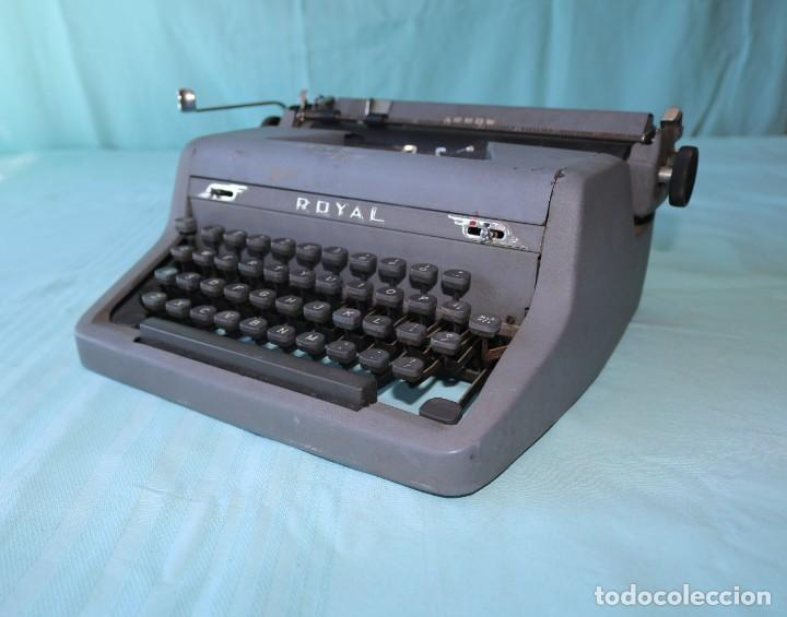 Antigüedades: Maquina de escribir Royal Arrow de 1.953 . Antique typewriter Royal Arrow from 1953. - Foto 26 - 270883233