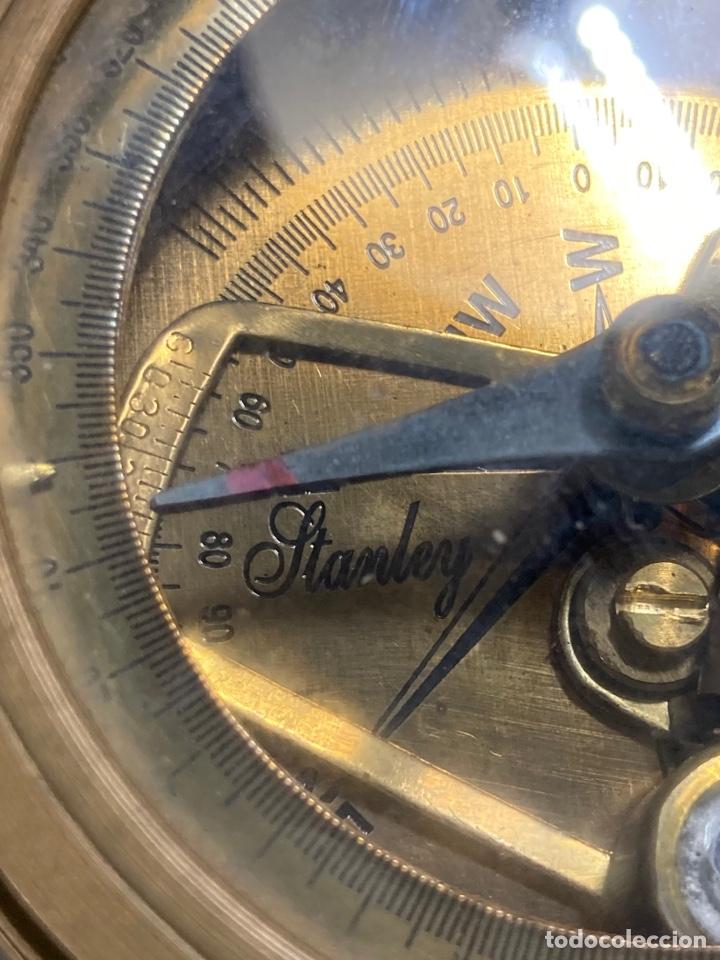 Antigüedades: Antiguo compás brújula náutica Stanley London en su caja de madera - Foto 2 - 270926758