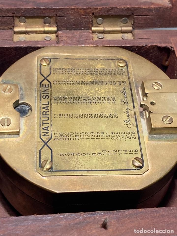 Antigüedades: Antiguo compás brújula náutica Stanley London en su caja de madera - Foto 4 - 270926758