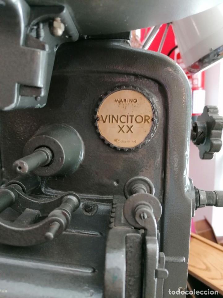 Antigüedades: Proyector de cine 1960s. PROYECTOR OSSA. ViNCITOR XX. Marino. Sin funcionar. - Foto 7 - 271622103