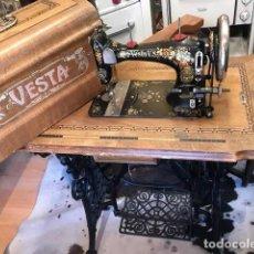 Antigüedades: MÁQUINA COSER VESTA. Lote 271805543