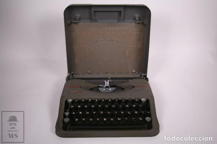 Antigüedades: Maquina de escribir Paillard Hermes Baby - Metal Maletín Portátil - Medidas 29 x 27,5 cm - Foto 7 - 272197418