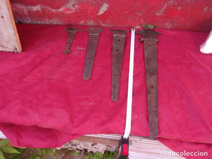 Antigüedades: 4 bonitas visagras,hierro,forja,siglos XIX-XVIII - Foto 4 - 272261138