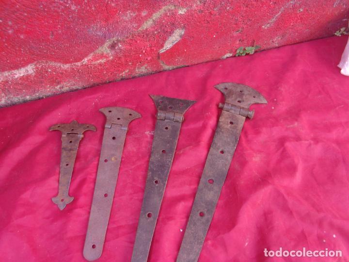 4 BONITAS VISAGRAS,HIERRO,FORJA,SIGLOS XIX-XVIII (Antigüedades - Técnicas - Cerrajería y Forja - Bisagras Antiguas)