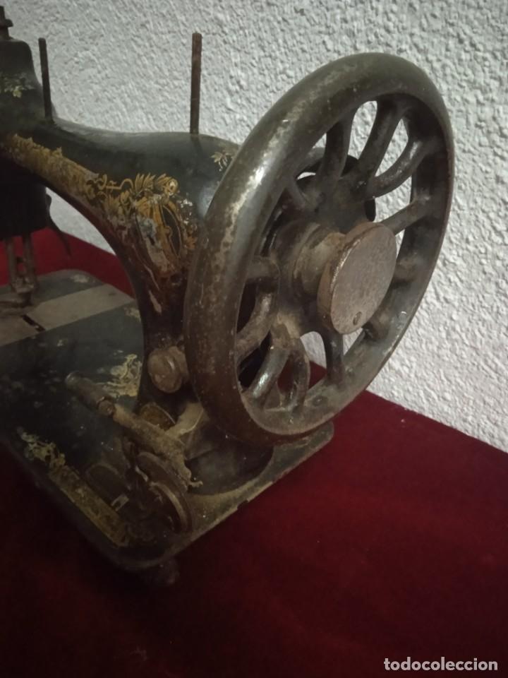 Antigüedades: Maquina de coser Singer - Foto 4 - 272570293
