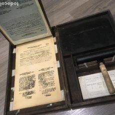 Antigüedades: MULTICOPISTA MANUAL MARCA CIDERM AÑOS 40, MIDE LA CAJA 45 X 30 X 8,5 USADA, VER FOTOS. Lote 272894358