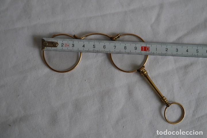 Antigüedades: Gafas graduadas con asa (sin patillas) plegables, baño de oro - Foto 13 - 273347673