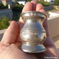 Antigüedades: PEQUEÑA MEDIDA PARA LIQUIDOS DE ZINC O ESTAÑO QUARTER GILL CON CONTRASTES. Lote 273355638