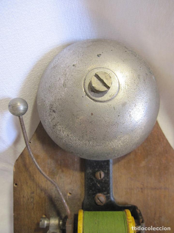 Antigüedades: ANTIGUO TIMBRE ELÉCTRICO DE BOBINA . MARCA D.R.G.M.. 18,5 X 10 X 4,5 CM. CAMPANA - Foto 4 - 273419543