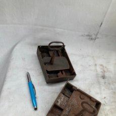Antiquités: LOTE DE DOS CERRADURAS ANTIGUAS CON LLAVES!. Lote 273761123