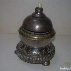 Antigüedades: RARO Y ANTIGUO TIMBRE CON MECANISMO DE RELOJERIA..PULSADOR DE HUESO-BREVETE S.G.D.G.,PARIS. Lote 273936203