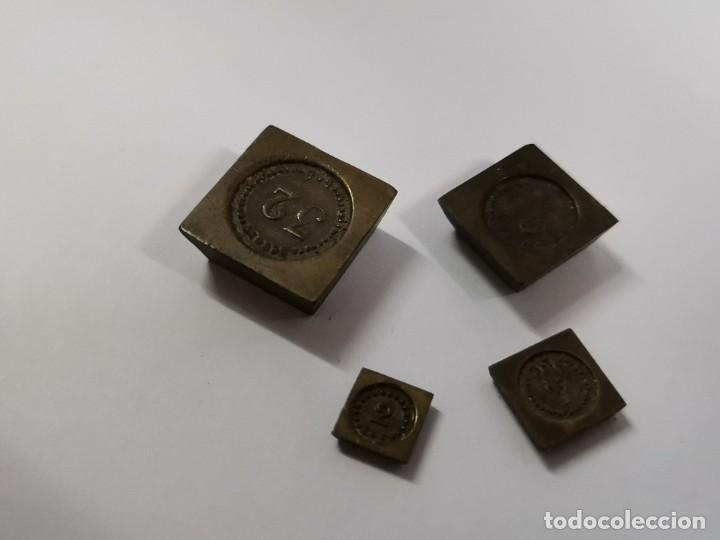 Antigüedades: BALANZA DE METAL CON PESOS Y URNA DE CRISTAL. PRINCIPIOS S.XX. - Foto 11 - 274365268