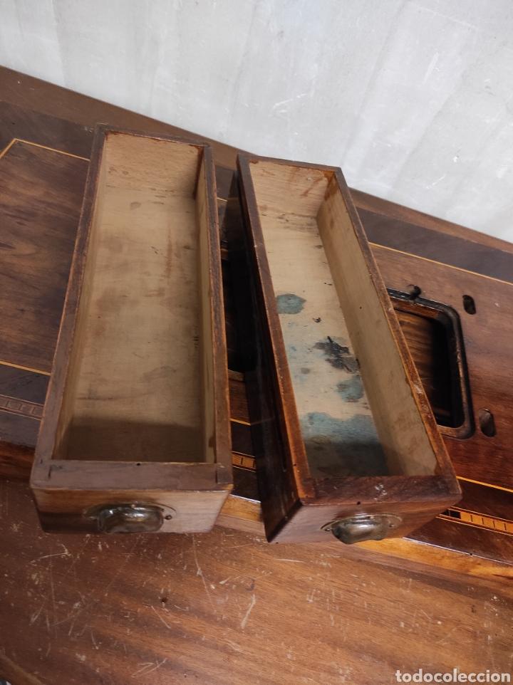 Antigüedades: Sobre máquina de coser con cajones KÖHLER - Foto 3 - 274430308