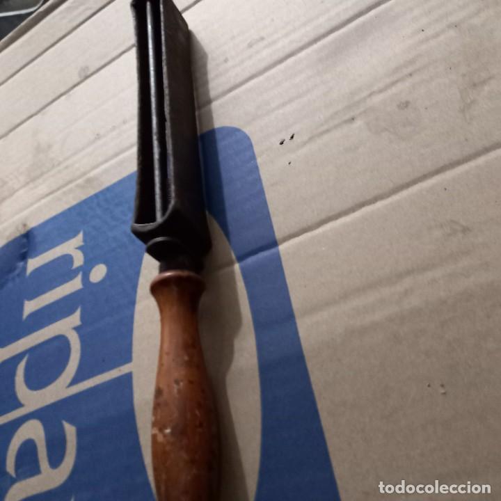 Antigüedades: para peluquería antigua afilador para navaja - Foto 2 - 274842013