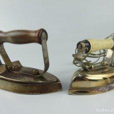 Antigüedades: CONJUNTO LOTE DE DOS PLANCHAS ELECTRICAS ANTIGUAS. Lote 275111653