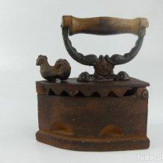 Antigüedades: ANTIGUA PLANCHA DE CARBÓN AÑOS 20-30 DECORACIÓN HIERRO FORJADO. Lote 275112018