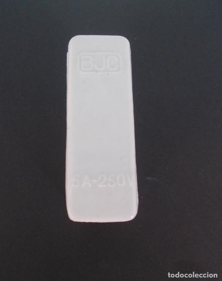 Antigüedades: Caja de fusible Cerámico BJC 5 A 250 V - Foto 7 - 275149138