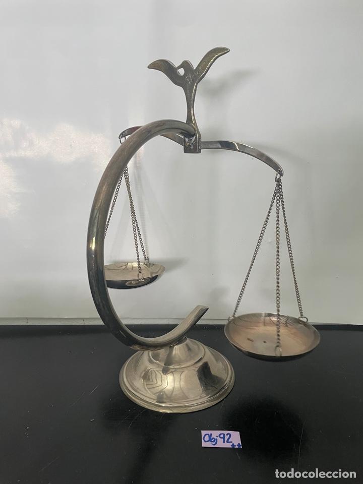 Antigüedades: BALANZA DE LA JUSTICIA, ADORNADA CON UN AGUILA. DECORACIÓN - Foto 5 - 275150223