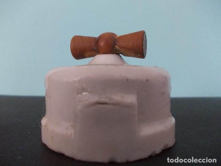 Antigüedades: Interruptor Practico con llave de madera - Foto 3 - 275151143