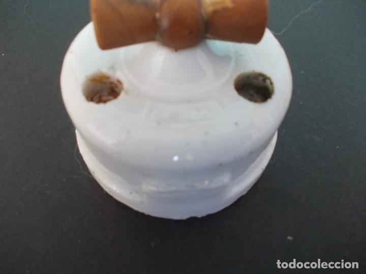 Antigüedades: Interruptor Practico con llave de madera - Foto 9 - 275151143