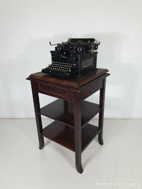 Antigüedades: Maquina de Escribir - Marca Royal - con Tapa de Madera y Mesa - Principios S. XX - Foto 6 - 275182868