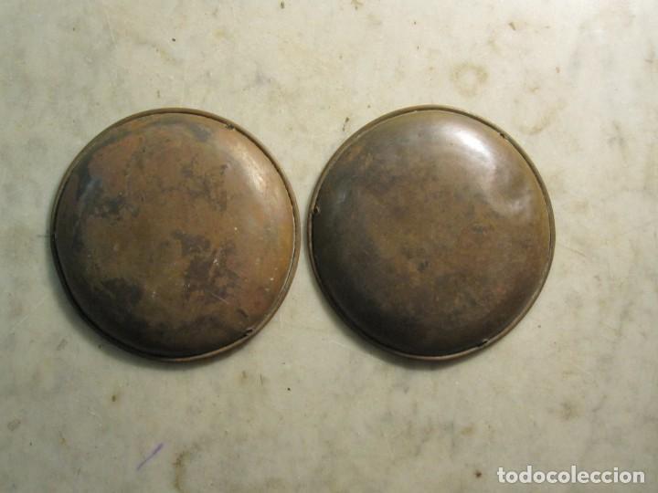 Antigüedades: JUEGO DE ANTIGUOS PLATOS DE BALANZA EN LATÓN DEL XIX - Foto 2 - 275255603