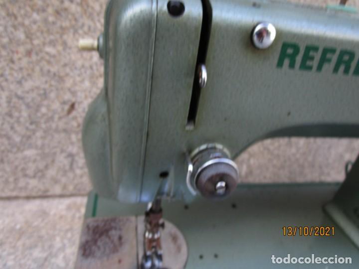 Antigüedades: VIGO - CABEZAL MAQUINA DE COSER REFREY TRANSFORMA REVISADA, EN ESTADO DE USO 12 KILOS 60S +INFO - Foto 3 - 275289503